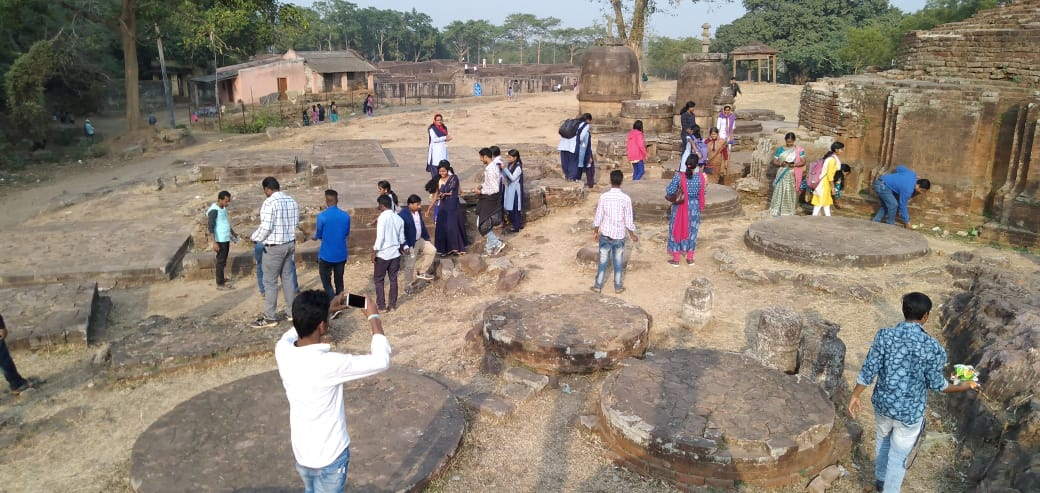 13.Heritage Cleaning by the studnets and faculties at Buddhist Site Ratnagiri